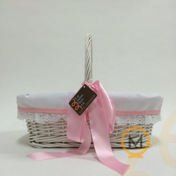 cesta rectangular de mimbre para bebé